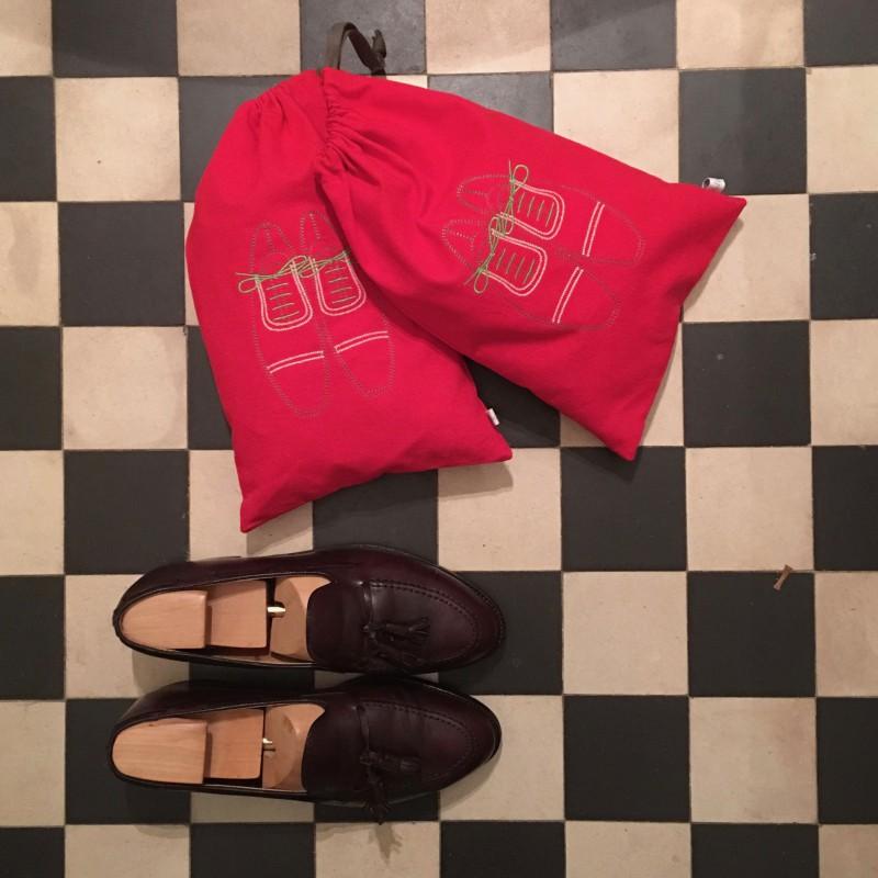 Melocotone housses chaussures avec sa broderie de for Housse a chaussures